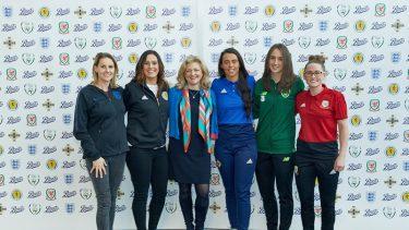 英ブーツ、英国・アイルランドの5協会のサッカー女子代表と提携