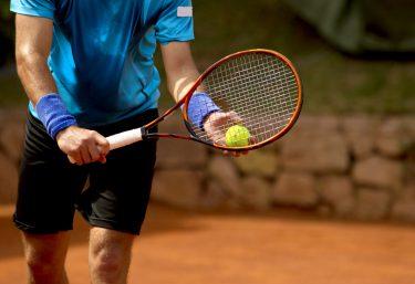 テニスラケットのメーカー紹介 あの選手が使っているラケットはどのメーカー?