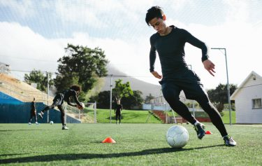 サッカー業界の広報とは?仕事内容や魅力は?どんな人に向いているの?