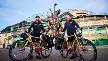 ラグビーW杯・開幕戦ホイッスルが日本到着――ロンドンから自転車で2万キロ、DHLとチャリティーツーリングが目指す価値共創