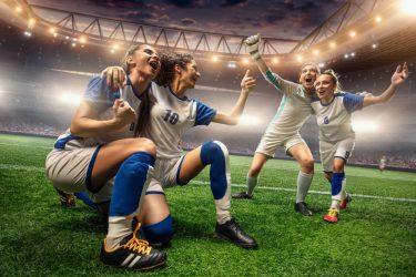 サッカー業界で働きたい女性必見!女性が活躍できるサッカー界の仕事とは?