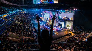 盛り上がりを見せるeSports|競技人口や業界規模について解説します