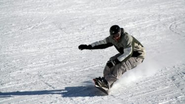 スノーボードの歴史とレジェンド選手たち ~スノーボード板の歴史も