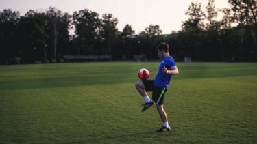 サッカーのリフティングとは?上手くなるコツなどを紹介!